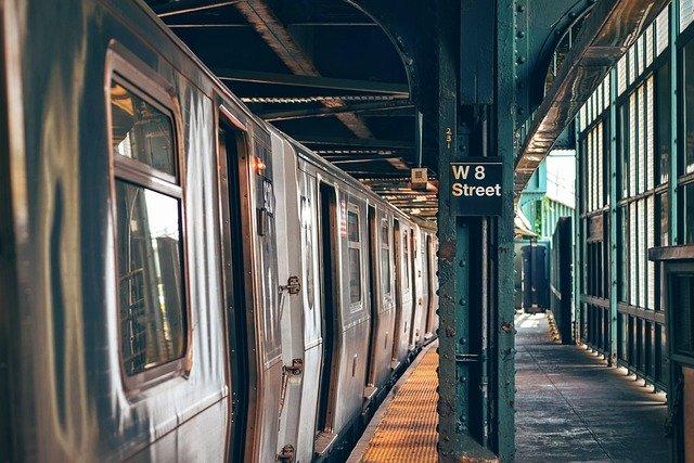ニューヨーク 地下鉄 アプリ