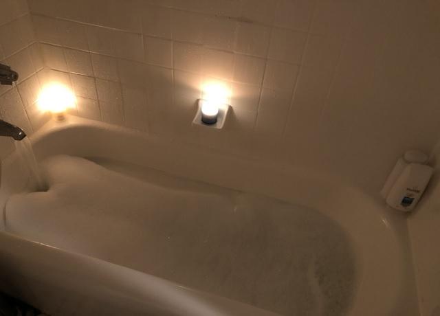 泡風呂に入る