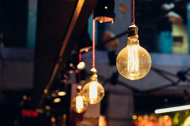 アメリカの照明の暗さは電球のせい?