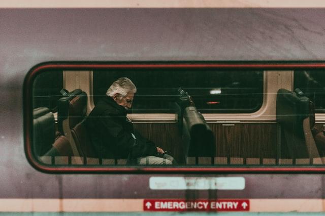 バスや地下鉄で寝ている人をあまり見かけない